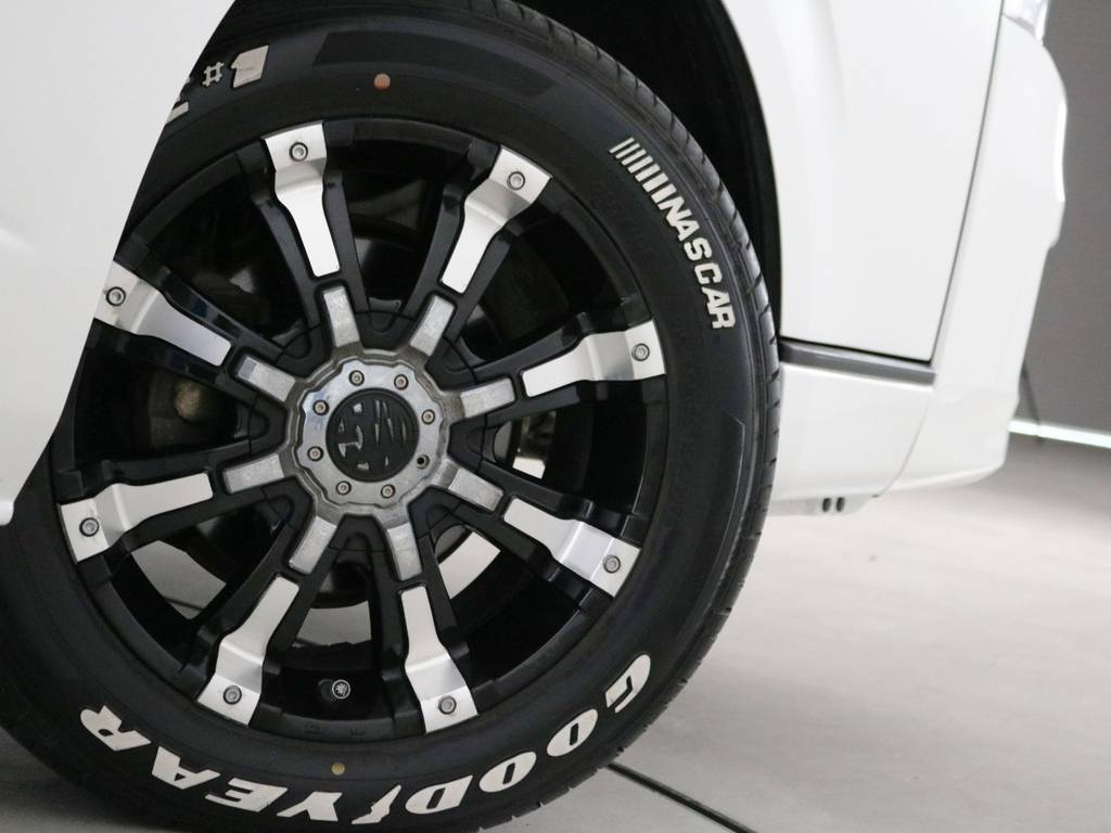 クリムソン MGビースト 17インチアルミホイール! | トヨタ ハイエースコミューター 3.0 GL ディーゼルターボ FLEXデモカー