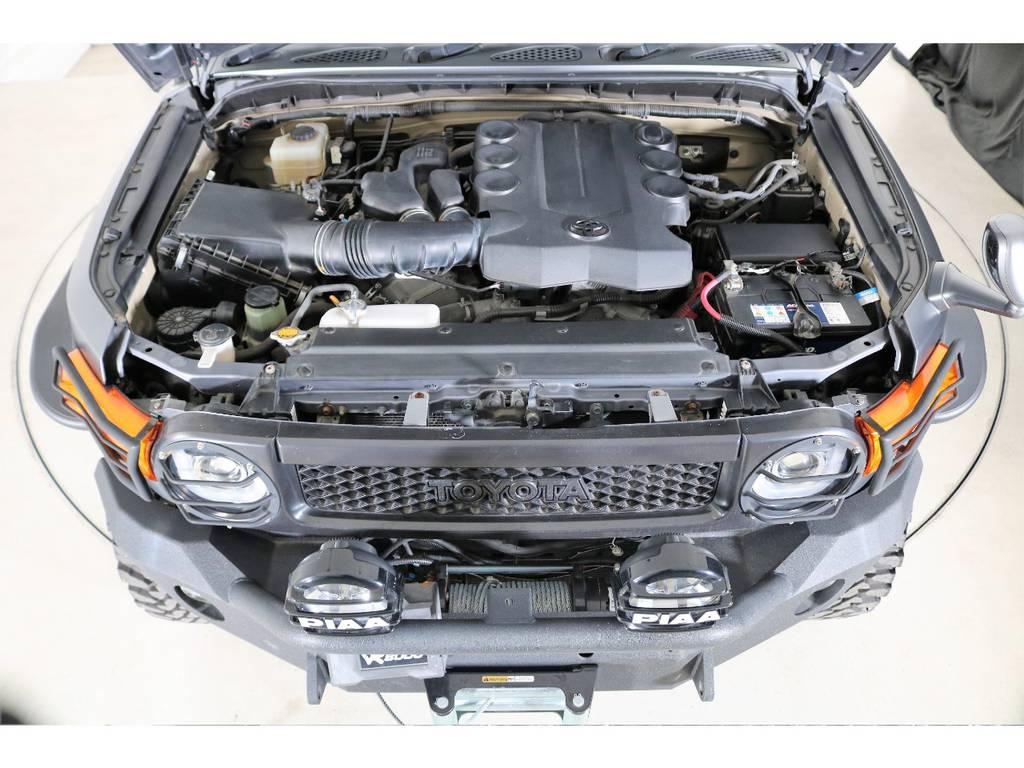 エンジンは400ccガソリンエンジン☆ | トヨタ FJクルーザー 4.0 カラーパッケージ 4WD 2018yデモカー