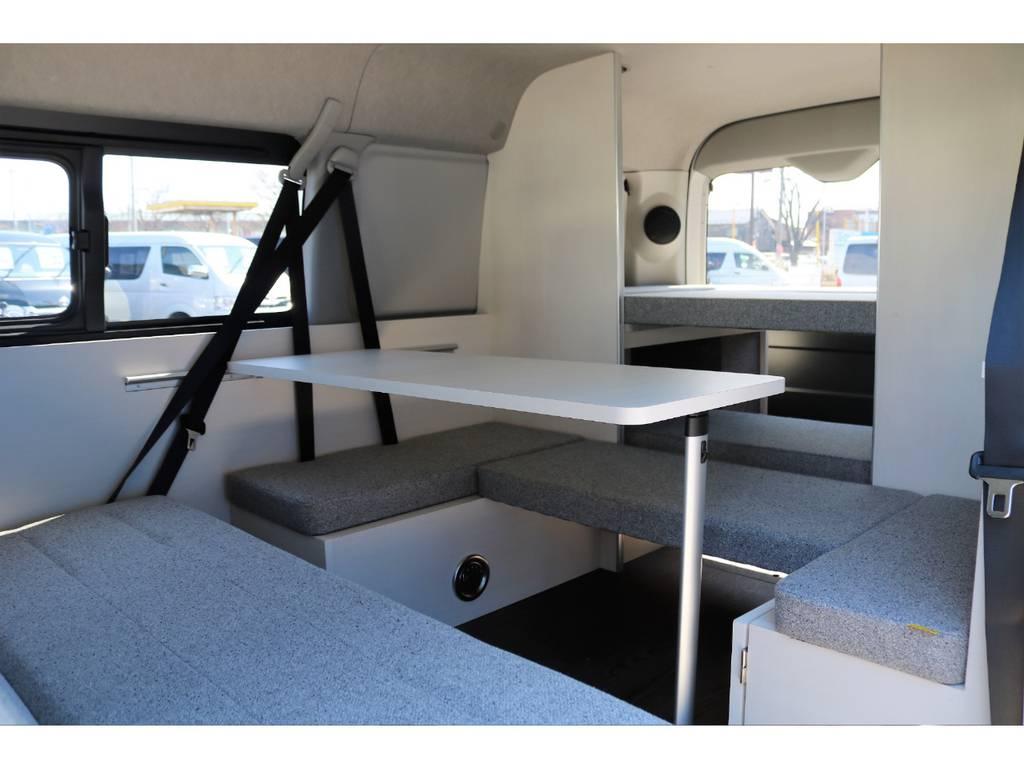 オリジナルキャンピング内装架装「ROOMCAR01」コンセプトは持ち出せる部屋♪お気に入りの空間で素敵なカーライフを♪