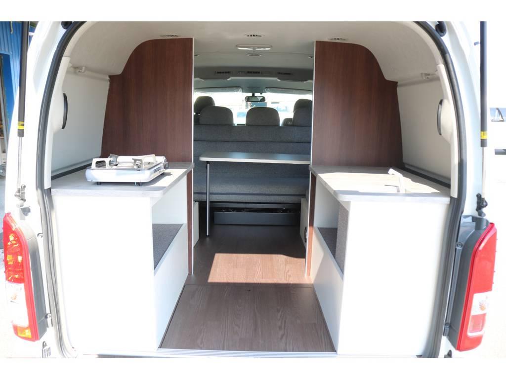 マットを外せばキッチンスペースの完成♪ | トヨタ ハイエース 2.7 GL ロング ミドルルーフ 4WD ROOM CAR01