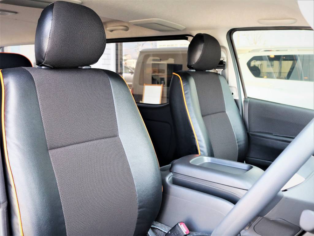 運転席シート、シート生地は張替え済み! | トヨタ ハイエースバン 3.0 スーパーGL ロング ディーゼルターボ 4WD VER8