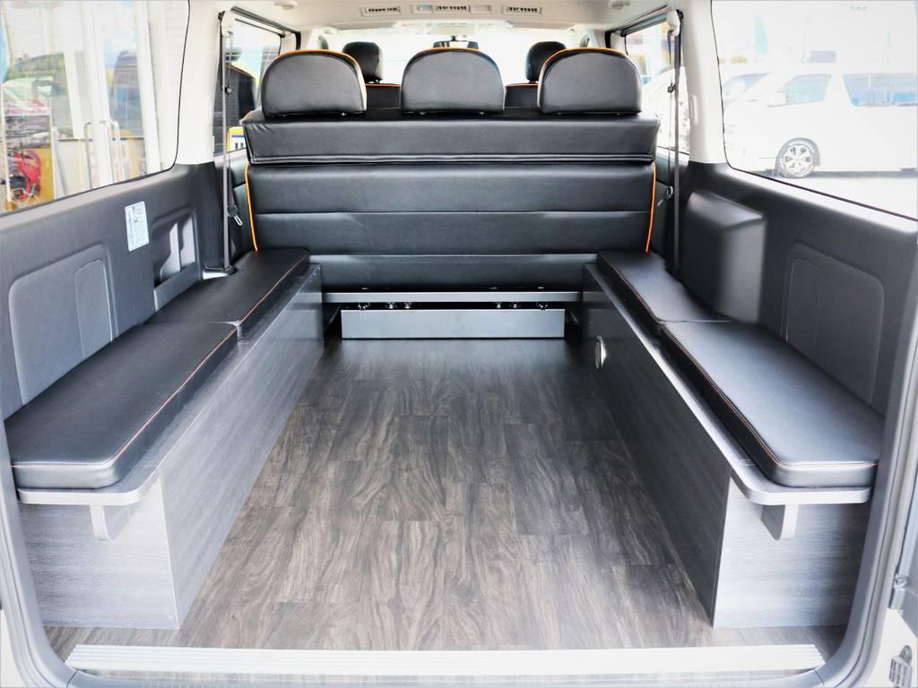収納スペースも広々御座います! | トヨタ ハイエースバン 3.0 スーパーGL ロング ディーゼルターボ 4WD VER8
