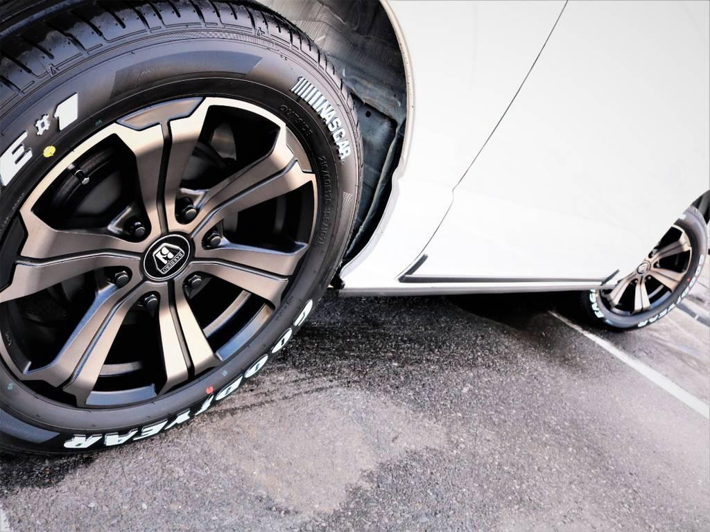 足元バッチリ決まっております! | トヨタ ハイエースバン 3.0 スーパーGL ロング ディーゼルターボ 4WD VER8