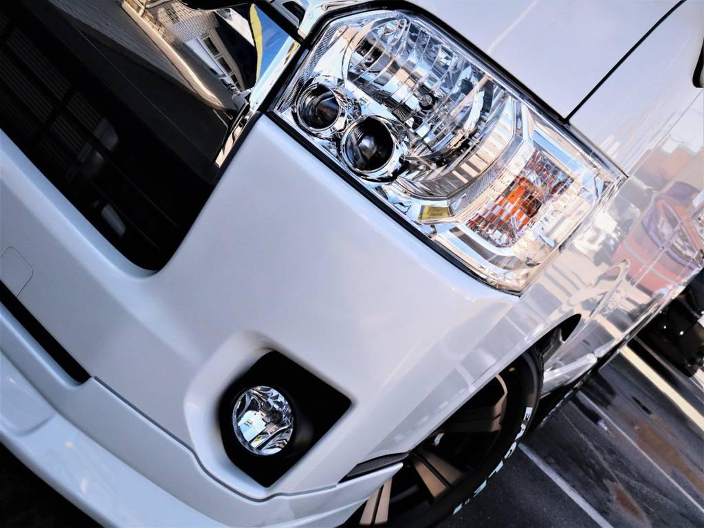 夜間走行に便利なメーカーオプション「LEDヘッドライト」! | トヨタ ハイエースバン 3.0 スーパーGL ロング ディーゼルターボ 4WD VER8