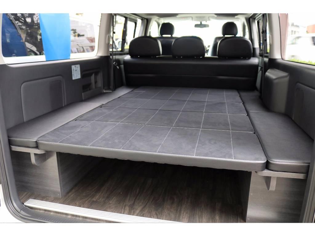 4ナンバー車両ならでは広い荷室を豪華に架装♪必見です!! | トヨタ ハイエースバン 3.0 スーパーGL ダークプライム ロングボディ ディーゼルターボ 4WD Ver8 小窓付