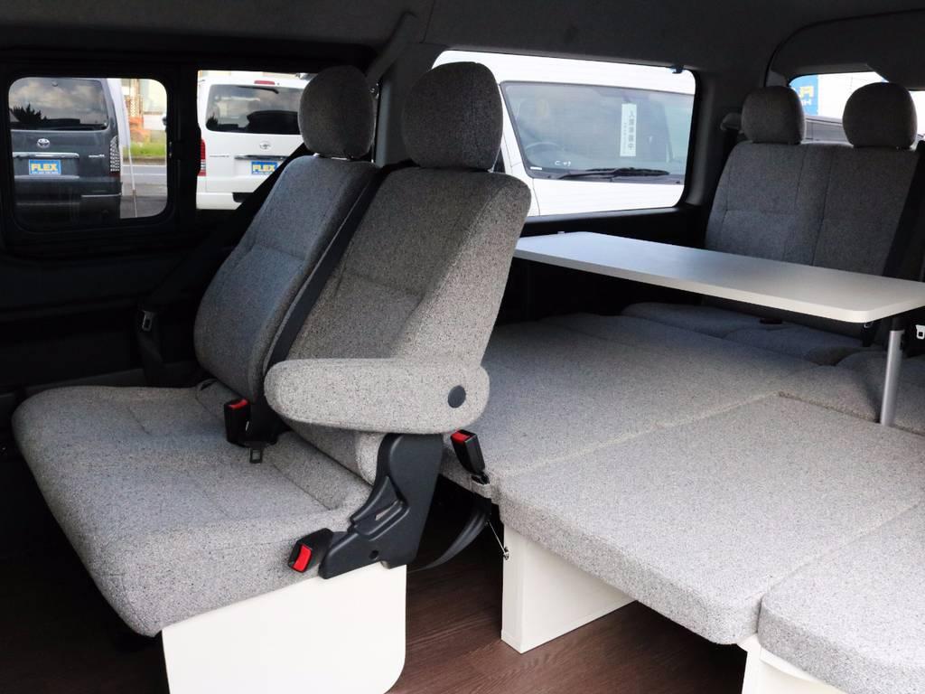 ファミリーにも大人気のシリーズです!サイドテーブル付き♪ | トヨタ ハイエース 2.7 GL ロング ミドルルーフ 4WD ROOM CAR 02