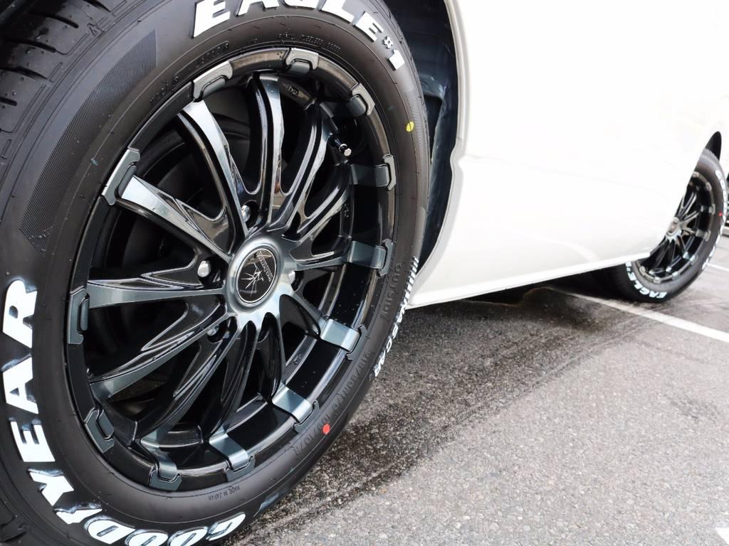 足元バッチリ決まっております! | トヨタ ハイエース 2.7 GL ロング ミドルルーフ 4WD ROOM CAR 02