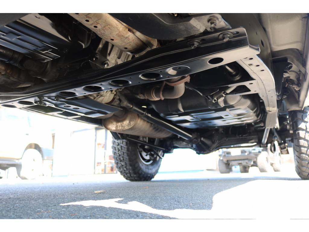 高圧洗浄後に、防錆パスターを施工させて頂きました! | トヨタ ランドクルーザー100 4.7 VXリミテッド 4WD