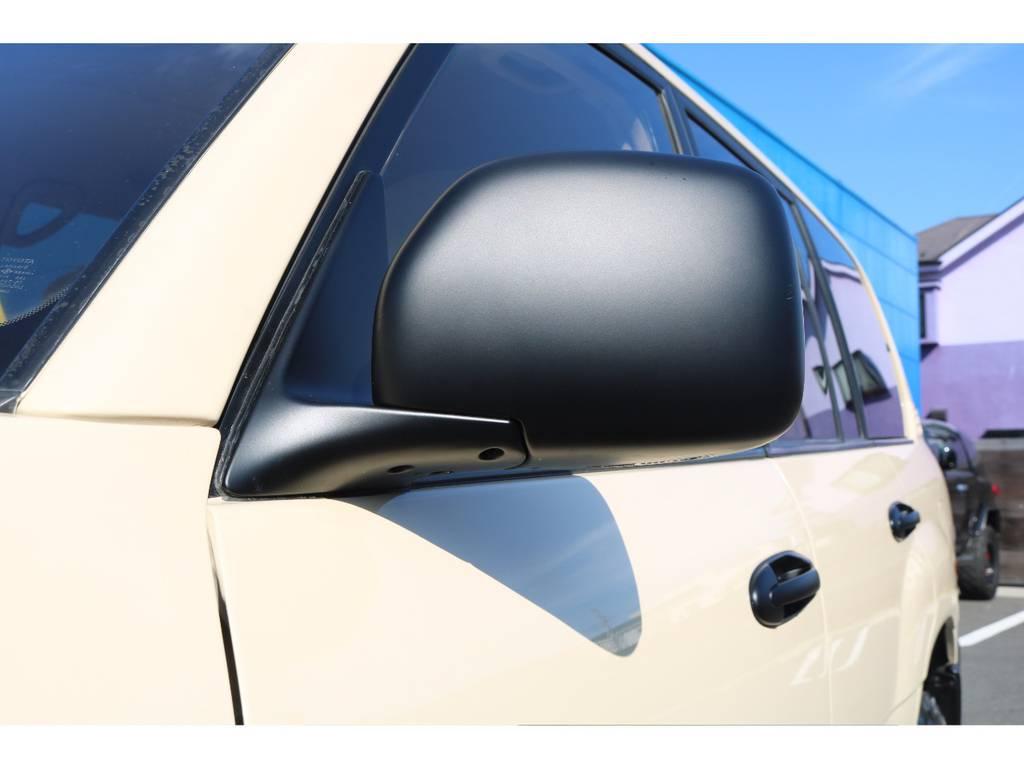 各部、ドアノブやバンパー、ミラーなどマッドブラックに塗装済です! | トヨタ ランドクルーザー100 4.7 VXリミテッド 4WD