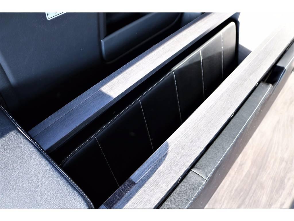 ベッドマットは収納スペースがあるので、荷物を積むときにはスッキリとしまえます! | トヨタ ハイエースバン 2.0 スーパーGL ロング ver.4 STD