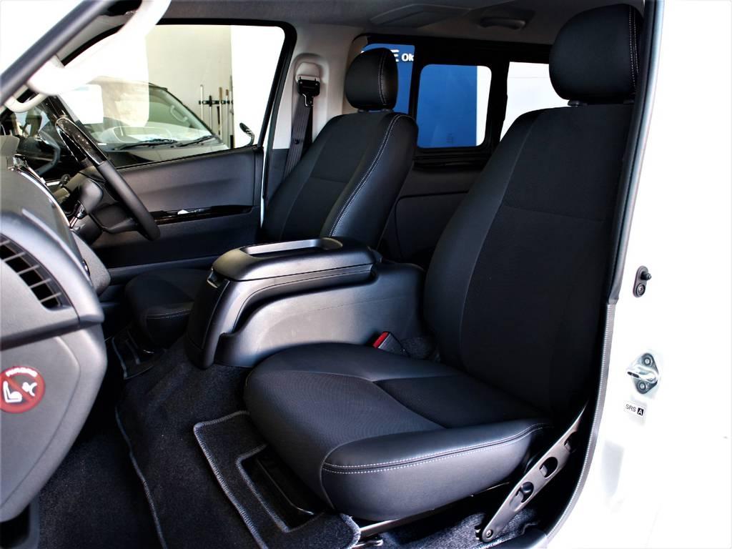 特別仕様車専用シートです! | トヨタ ハイエースバン 3.0 スーパーGL ダークプライム ロングボディ ディーゼルターボ 4WD バージョン8内装架装