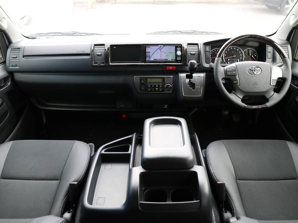 """特別装備が盛りだくさんの特別仕様車""""ダークプライム""""!   トヨタ ハイエースバン 2.7 スーパーGL ワイド ロング ミドルルーフ 4WD ダークプライム アレンジVer8"""