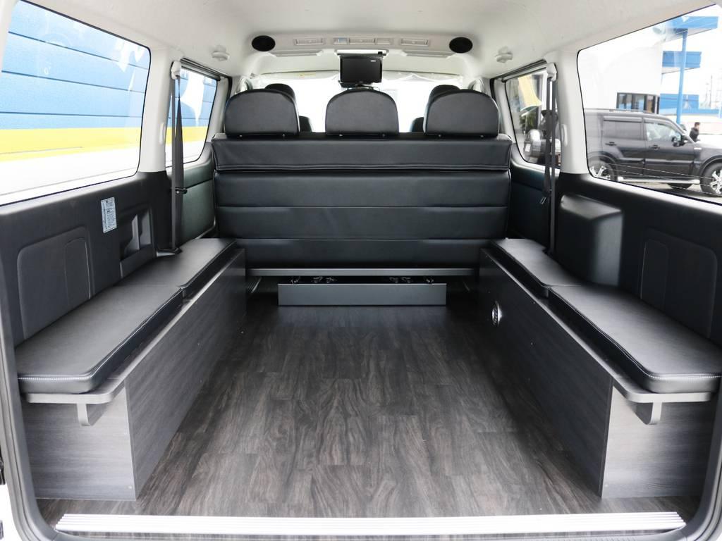 ベッドを片付ければ楽々自転車等も積めるサイズのラッゲジスペースに!   トヨタ ハイエースバン 2.7 スーパーGL ワイド ロング ミドルルーフ 4WD ダークプライム アレンジVer8