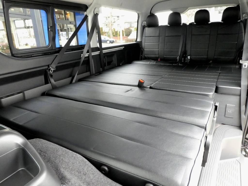 4列目の座面を利用し広大なフルフラットベットとしてご利用いただけます!!   トヨタ ハイエース 2.7 GL ロング ミドルルーフ TSS付Ver2