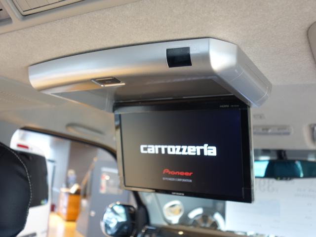 後席用にフリップダウンモニターも装備!! | トヨタ ハイエースバン 2.0 スーパーGL ロング ダークP TSS付Ver4D/P