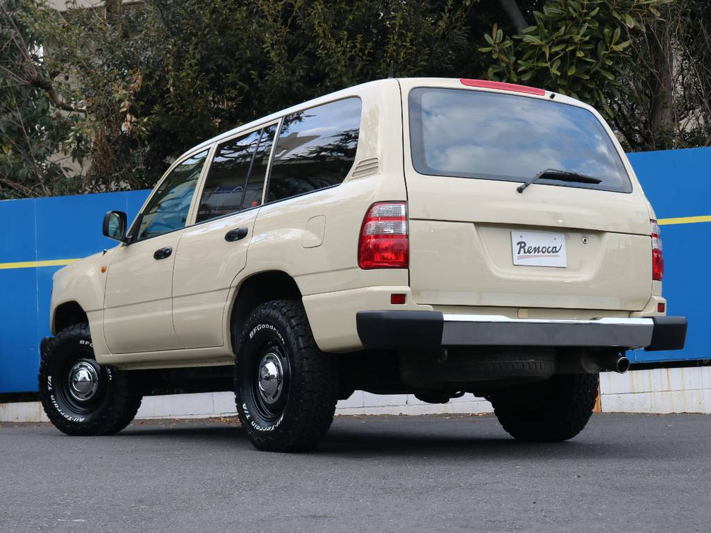 全世界180か国以上で愛されているランクル!ジャングルや砂漠や極北でも支持されている信頼性と実績!ぜひ手に入れてください!   トヨタ ランドクルーザー100 4.7 VXリミテッド Gセレクション 4WD