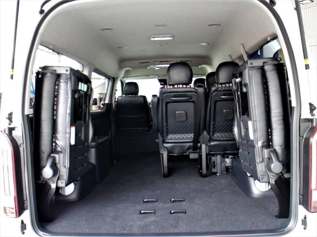 後席跳ね上げ可能ですので、荷室スペースとしてもご使用頂けます! | トヨタ ハイエース 2.7 GL ロング ミドルルーフ 新型 トヨタセーフティーセンス