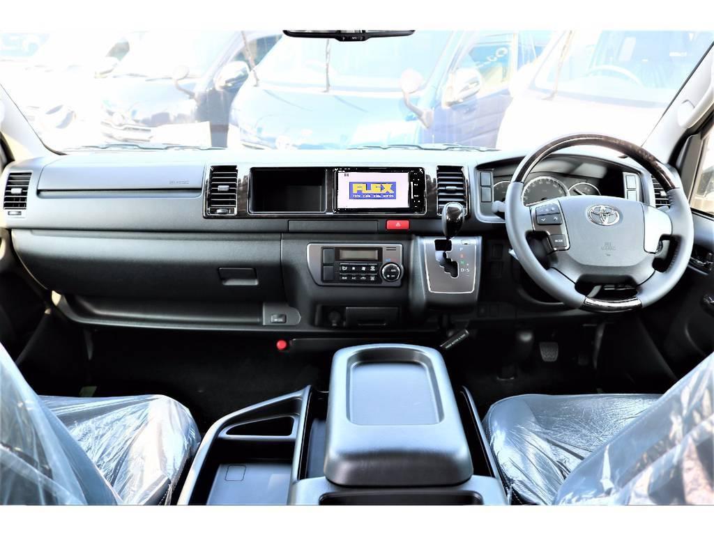 内外装ともにカスタム済みのお買い得な1台です!   トヨタ ハイエースバン 2.7 スーパーGL ワイド ロング ミドルルーフ 4WD ダークP TSS Ver.8