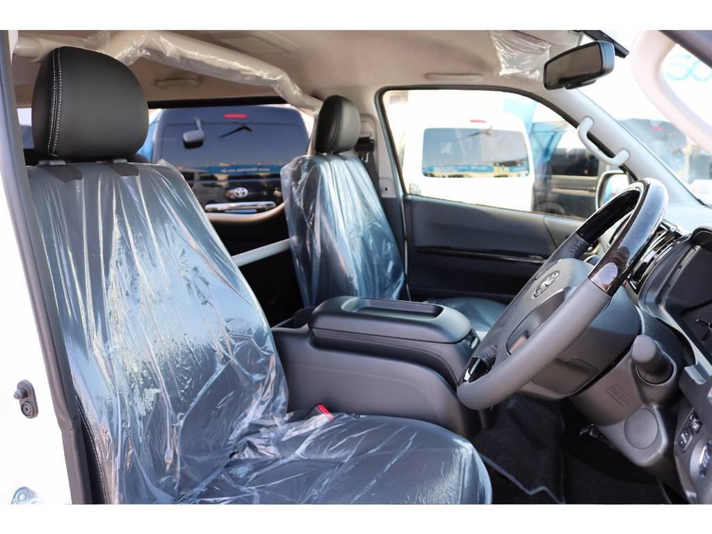 ダークプライムならではのハーフレザーシートです!   トヨタ ハイエースバン 2.7 スーパーGL ワイド ロング ミドルルーフ 4WD ダークP TSS Ver.8