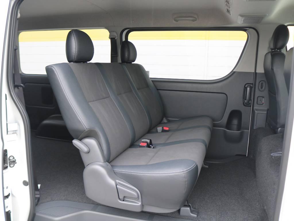 セカンドシートは可倒することも可能です! | トヨタ ハイエースバン 2.8 スーパーGL ロング ディーゼルターボ 4WD ダークP TSS付・寒冷地