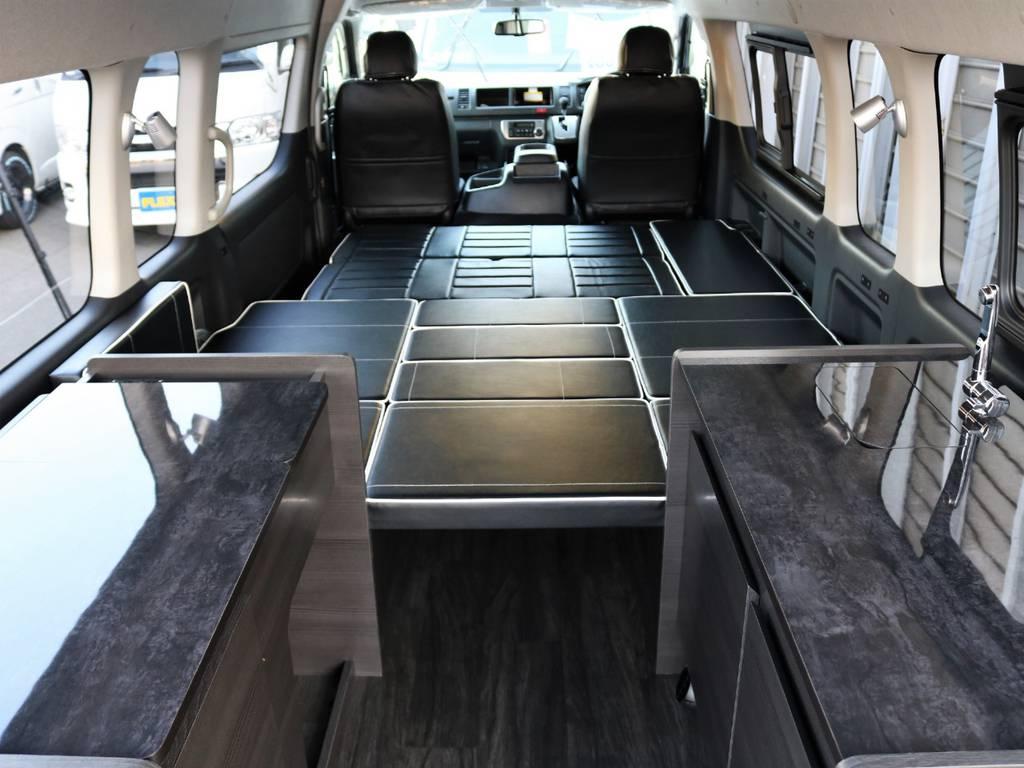 スーパーロングハイルーフならではの広大な車内空間を実現!