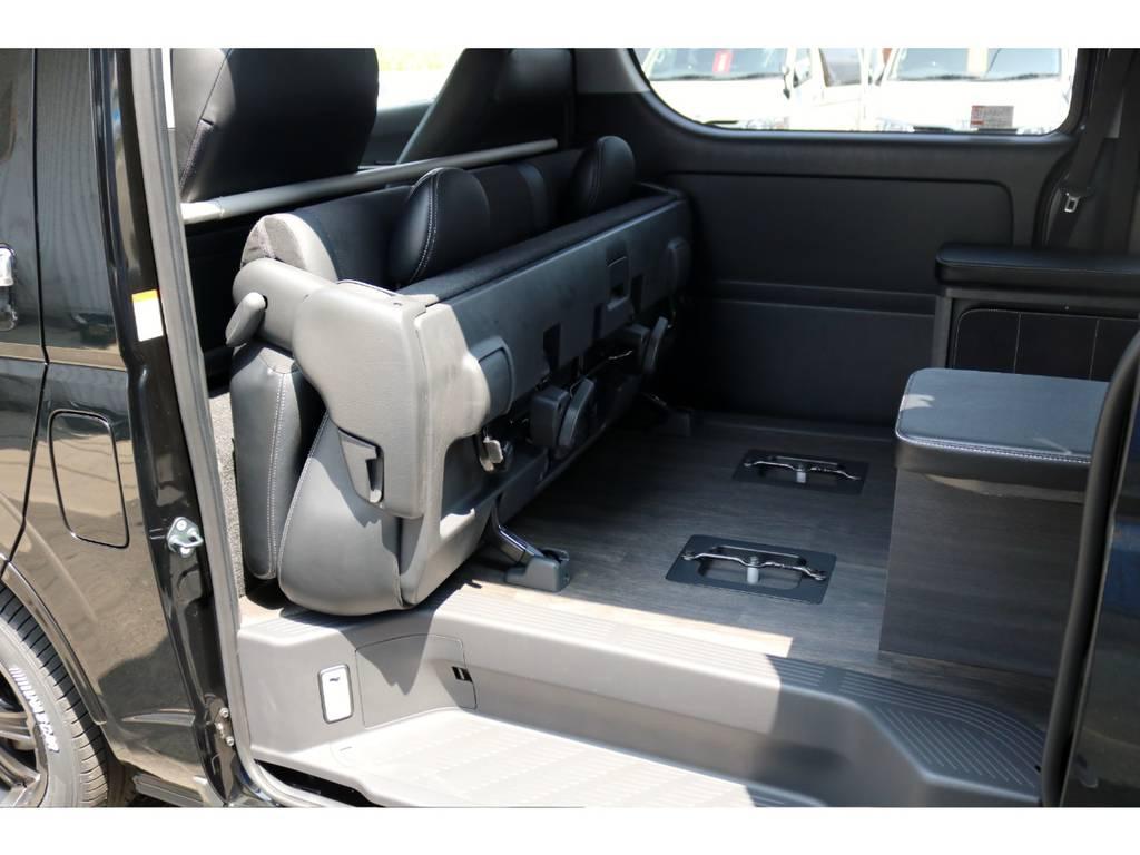 セカンドシートを折りたためばトランポにも使えますね! | トヨタ ハイエースバン 2.8 スーパーGL ダークプライム ロングボディ ディーゼルターボ 4WD Ver4 D/P TSS付