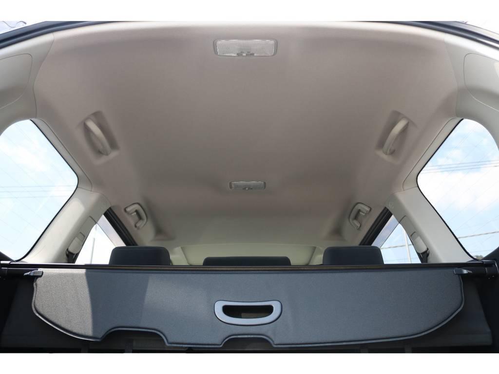 新車ですので天井もきれいです。フリップダウンなども装着可能です。ご相談ください! | トヨタ ランドクルーザープラド 2.7 TX 4WD 5人 新車未登録車