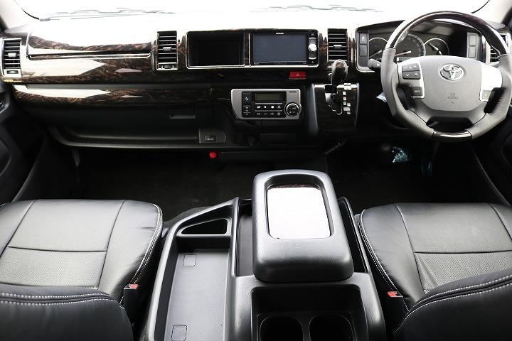マホガニ-ウットパネルで内装統一化 | トヨタ ハイエース 2.7 GL ロング ミドルルーフ 4WD TSS付 R-1