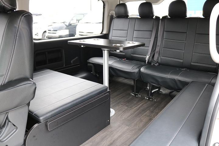 オートキャンプ、車中泊に最高のシートアレンジです。 | トヨタ ハイエース 2.7 GL ロング ミドルルーフ 4WD TSS付 R-1