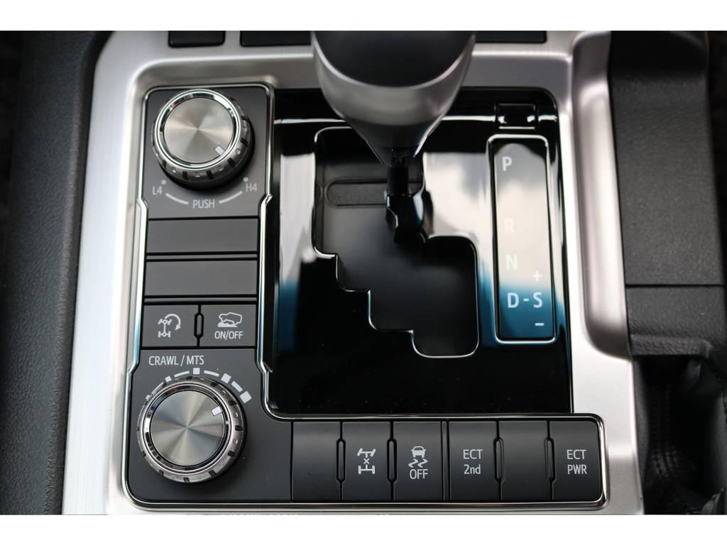 運転支援も充実したランクル200! | トヨタ ランドクルーザー200 4.6 AX 4WD 新車未登録車 2インチUP