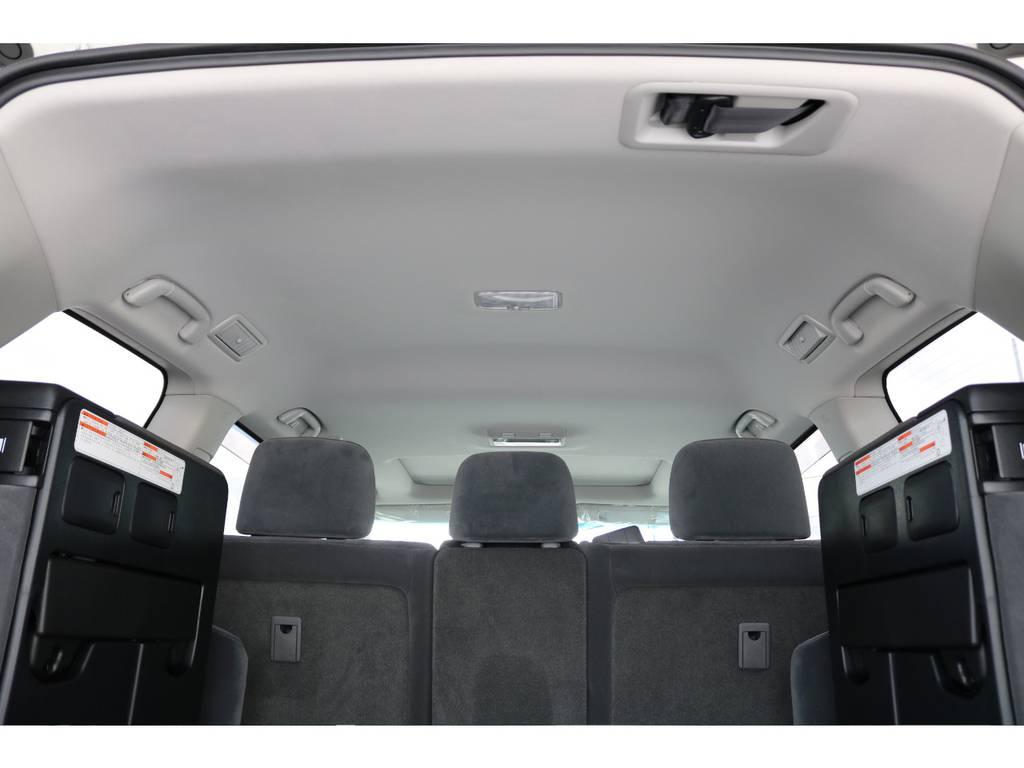 広々した天井!フリップダウンモニターの取り付け事例もございます。 | トヨタ ランドクルーザー200 4.6 AX 4WD 新車未登録車 2インチUP