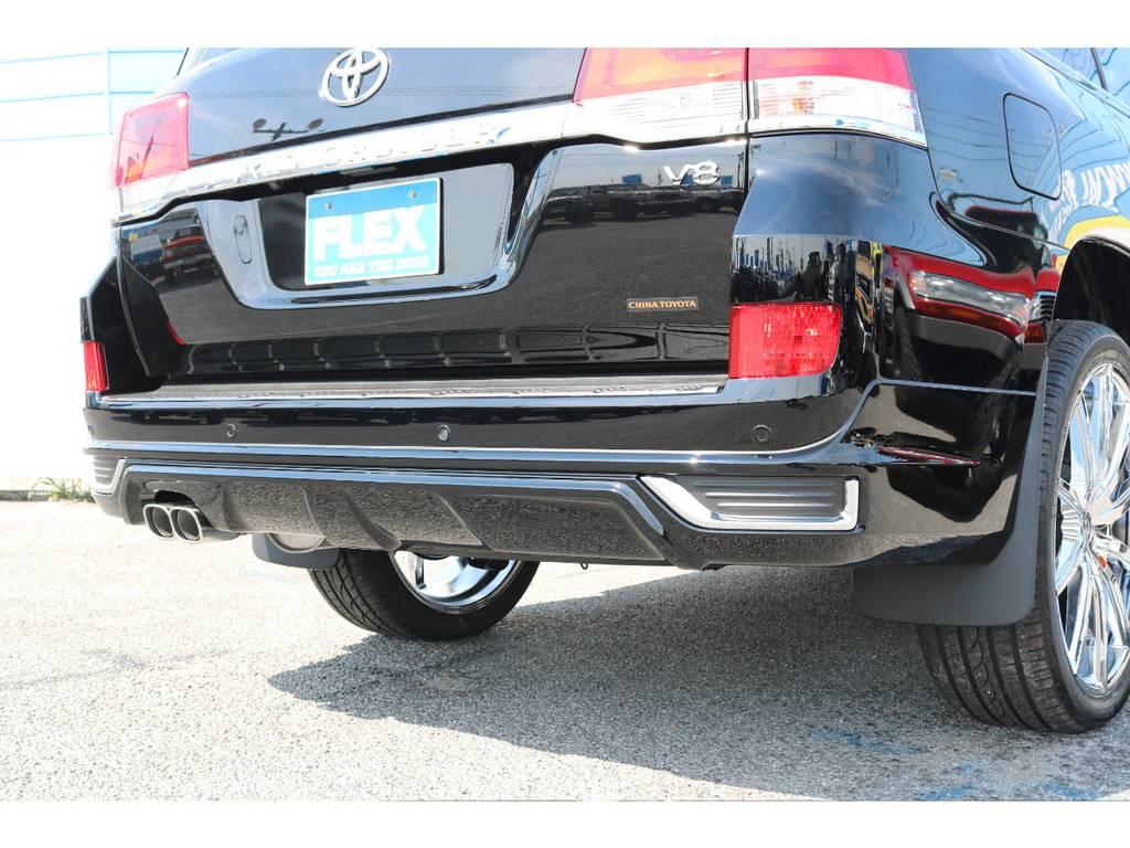 モデリスタのリアバンパーにスポーツマフラーでリアもかっこいいですね!   トヨタ ランドクルーザー200 4.6 AX Gセレクション 4WD 新車未登録車 24インチAW