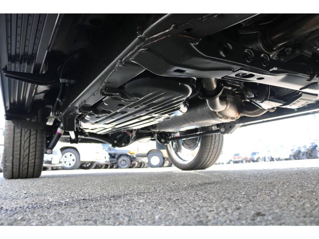 下回りも新車ですのでピカピカです!   トヨタ ランドクルーザー200 4.6 AX Gセレクション 4WD 新車未登録車 24インチAW