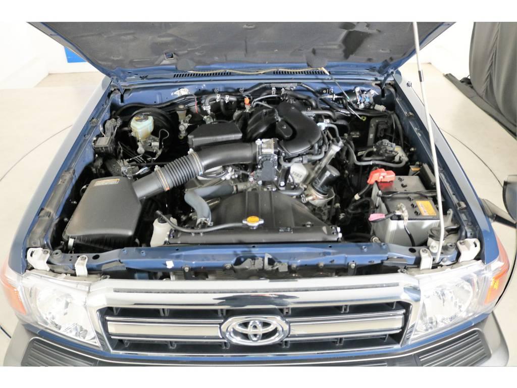店舗敷地内に工場完備ですので車検から整備までお任せください。 | トヨタ ランドクルーザー70 4.0 4WD ピックアップ