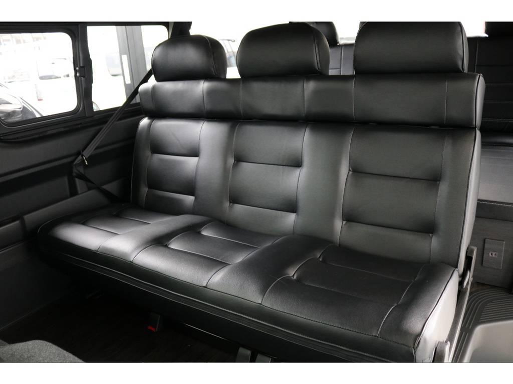 二列目は3人掛けです。 | トヨタ ハイエース 2.7 GL ロング ミドルルーフ 4WD TSS付 アレンジVer2