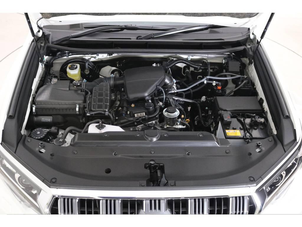 2700ccガソリンエンジンはアイドリングも静かなので車中泊をする際やキャンプ場でも気にせずエンジンを掛けておけます。