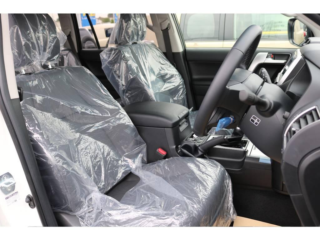 本革シートにはシートベンチレーション機能付きですので爽やかな風が出たり部位によって温かさを変化させたり運転を快適にサポートしてくれます☆