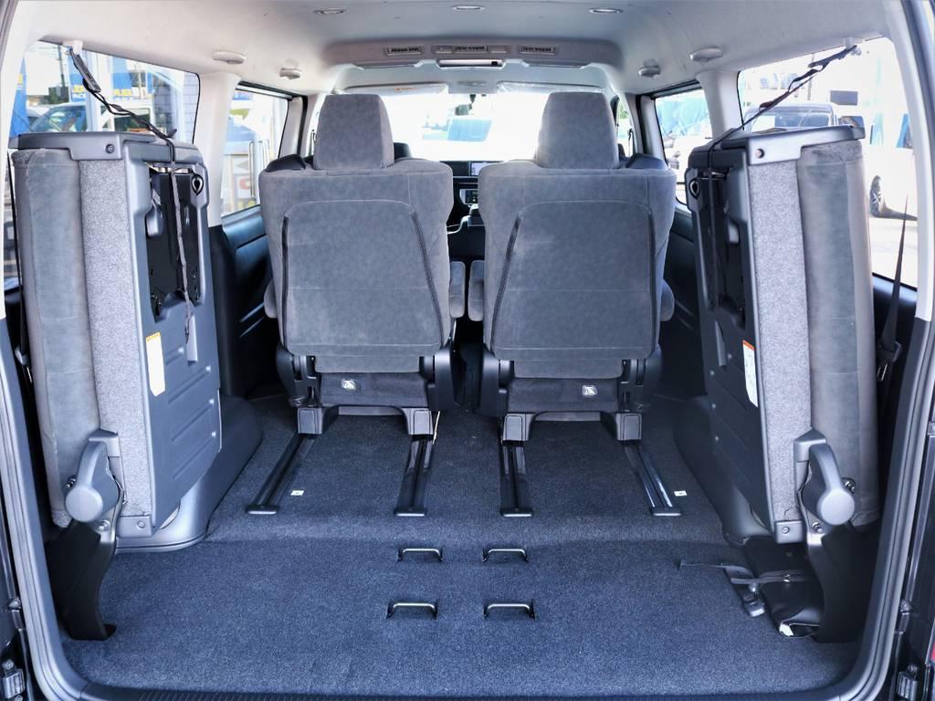 4列目は跳ね上げ可能!収納スペース広々御座います! | トヨタ ハイエース 2.7 GL ロング ファインテックツアラー キャプテンシート