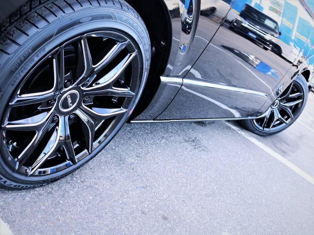足元バッチリ決まっております! | トヨタ ハイエース 2.7 GL ロング ファインテックツアラー キャプテンシート