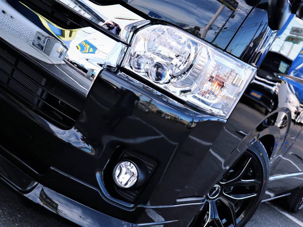 夜間走行に便利なメーカーオプション「LEDヘッドライト」! | トヨタ ハイエース 2.7 GL ロング ファインテックツアラー キャプテンシート