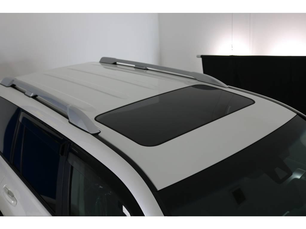 ディーラーオプションルーフレール付き! | トヨタ ランドクルーザープラド 2.7 TX 4WD 7人 新車未登録車 20インチAW