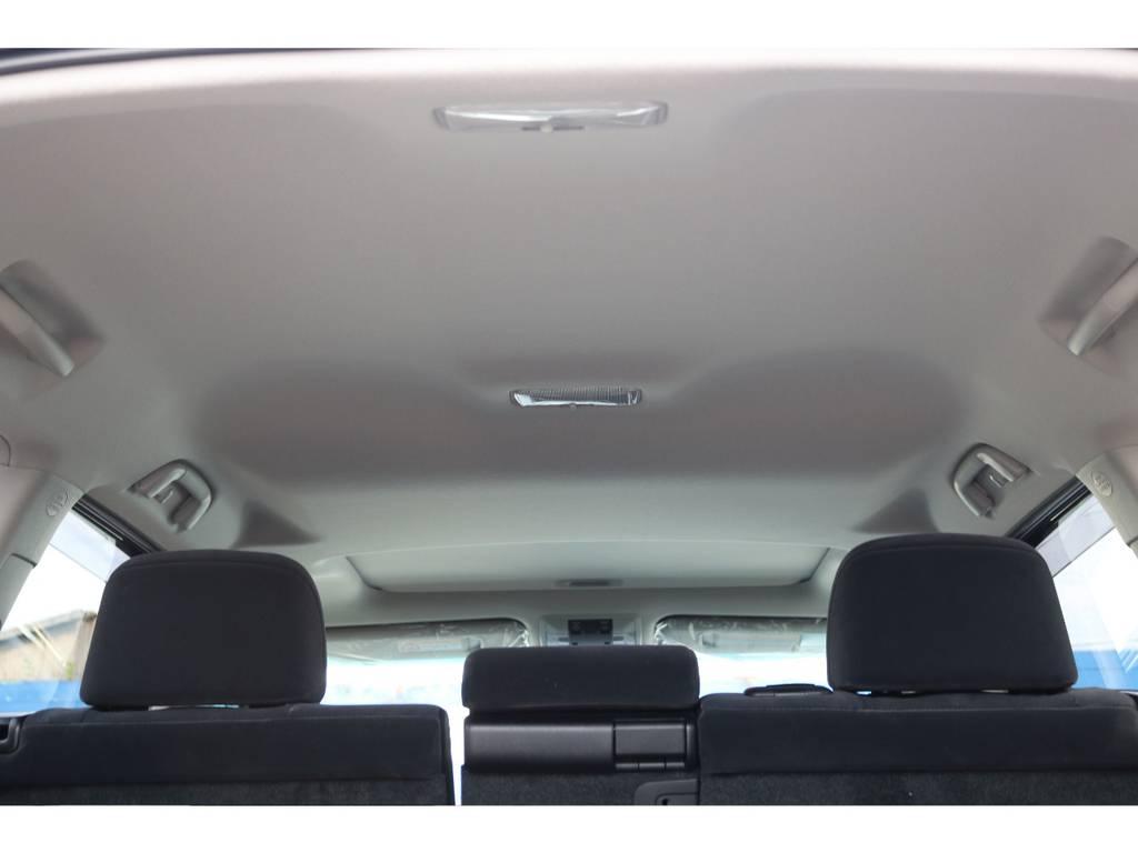 広々した天井!フリップダウンモニターの取り付け事例もございます。 | トヨタ ランドクルーザープラド 2.7 TX 4WD 7人 新車未登録車 20インチAW