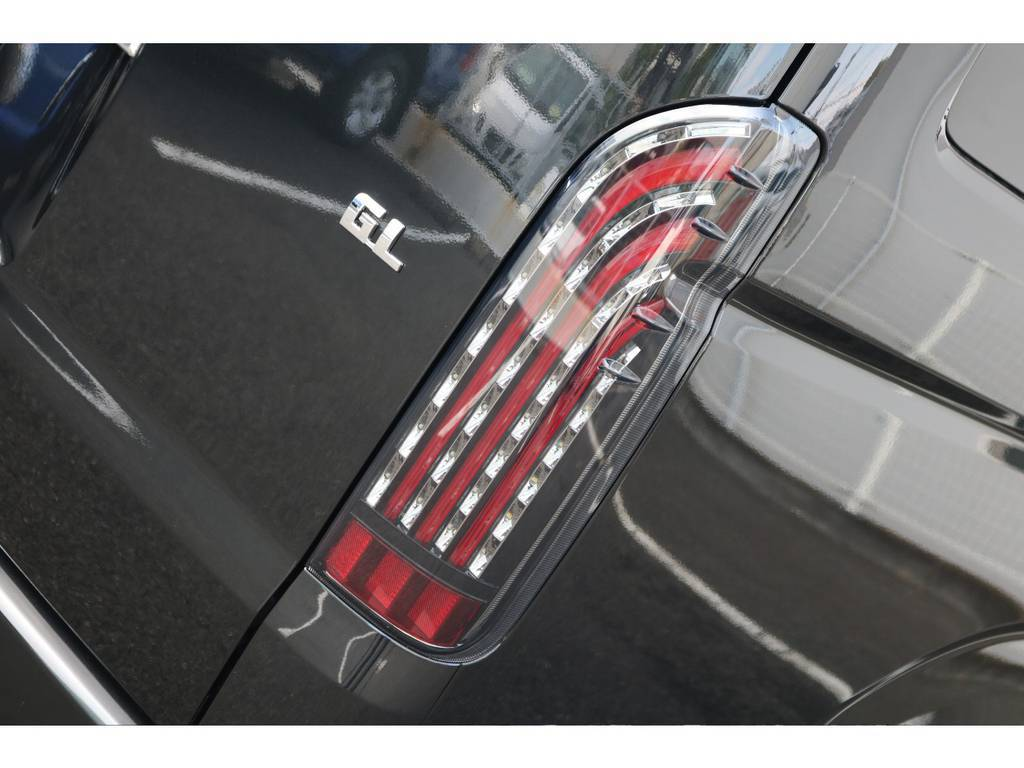 日中のテールレンズはこのような感じです!!   トヨタ ハイエース 2.7 GL ロング ミドルルーフ TSS付 アレンジVer1