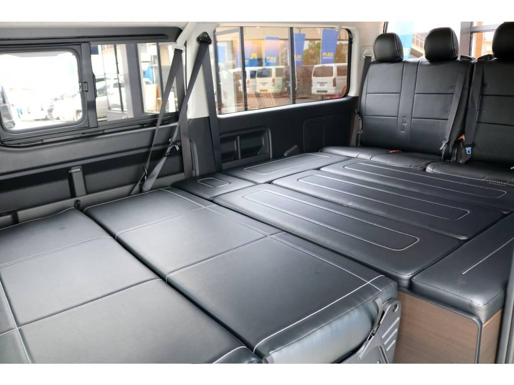 後席がフルフラットになり広大なベッドスペース!!   トヨタ ハイエース 2.7 GL ロング ミドルルーフ TSS付アレンジA