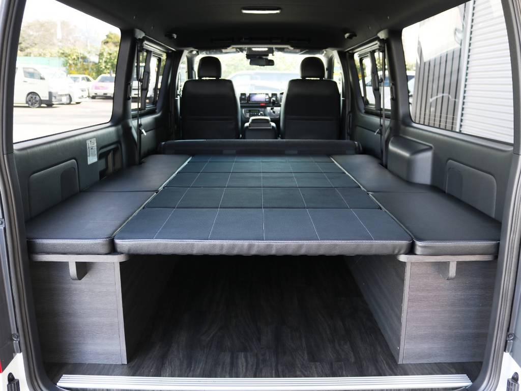 内装アレンジVer4の特徴、オリジナルベッドキット!純正ハーフレザーシートに合わせた材質となっております♪ | トヨタ ハイエースバン 2.0 スーパーGL ダークプライムⅡ ロングボディ 内装Ver4D/P