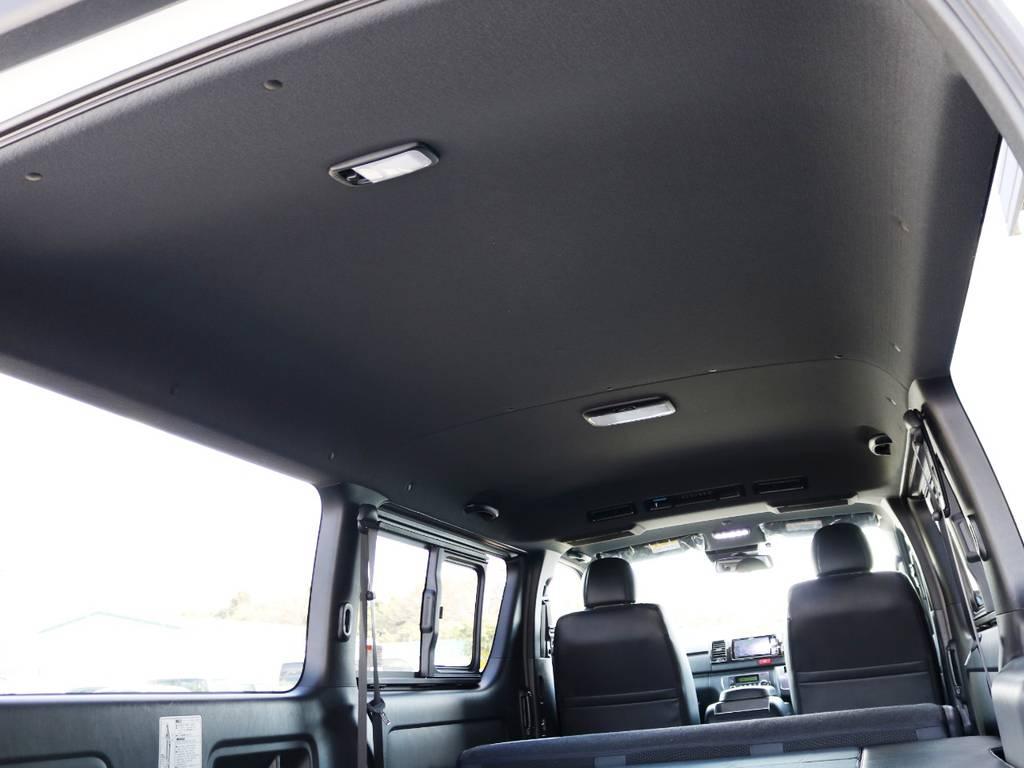 特別仕様車 ダークプライムⅡは、天井やトリム(車内の壁)等がブラックカラーとなっており、高級感のある内装となっております♪ | トヨタ ハイエースバン 2.0 スーパーGL ダークプライムⅡ ロングボディ 内装Ver4D/P