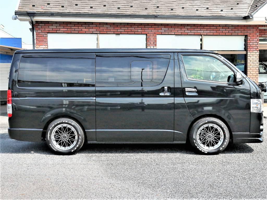 維持費の安い5人乗り4ナンバー小型貨物車登録です!   トヨタ ハイエースバン 2.0 スーパーGL ダークプライムⅡ ロングボディ D/PⅡ小窓付き