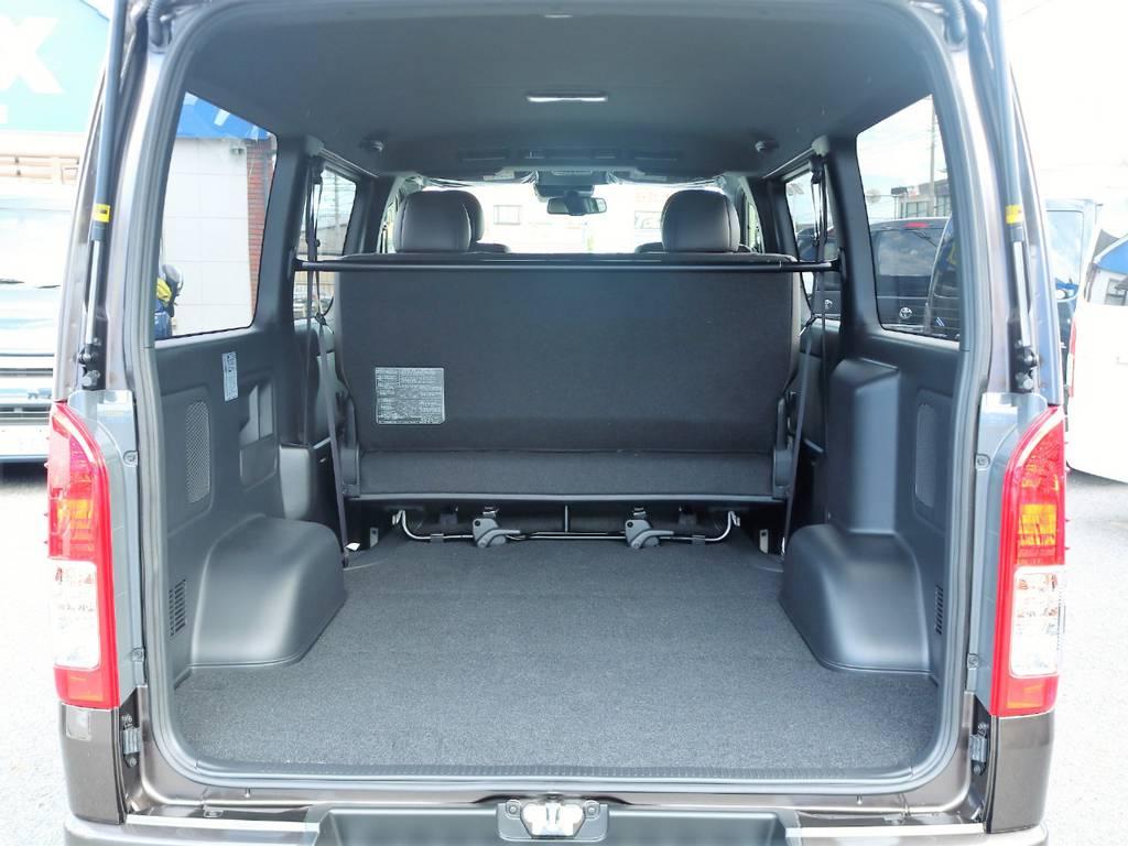 広大なラゲッジスペースはお仕事だけでなく、アウトドアや車中泊にもぴったりです! | トヨタ ハイエースバン 2.0 スーパーGL 50TH アニバーサリー リミテッド ロングボディ