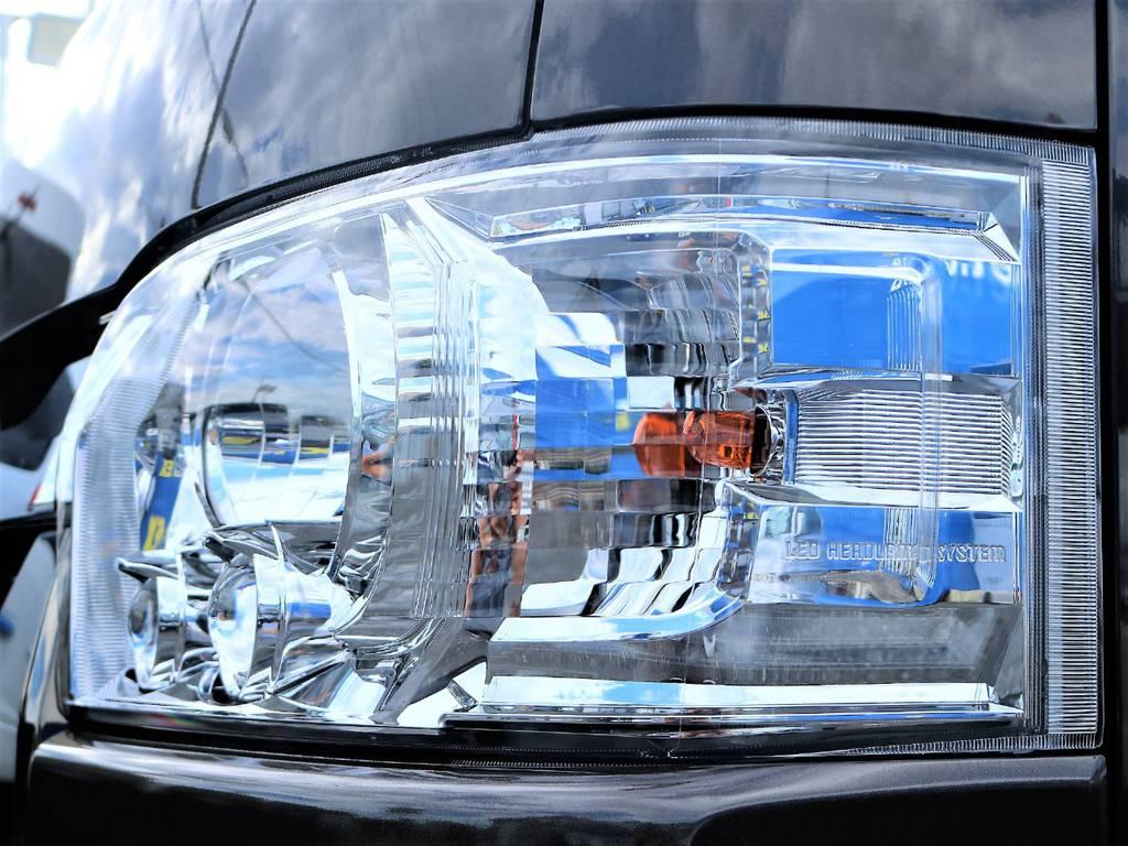 メーカーオプションのLEDヘッドライトも標準装備です! | トヨタ ハイエースバン 2.0 スーパーGL 50TH アニバーサリー リミテッド ロングボディ