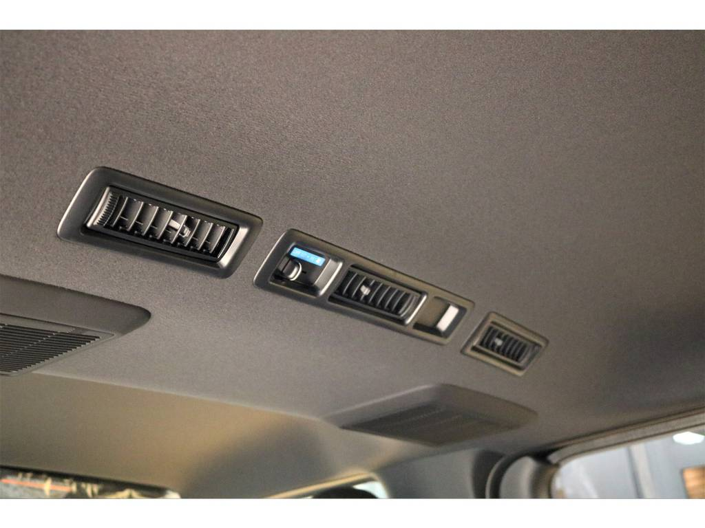 室内もガラッと変わりましたね♪ | トヨタ ハイエースバン 2.8 スーパーGL ダークプライムⅡ ロングボディ ディーゼルターボ 4WD D/PⅡ415コブラコンプリート